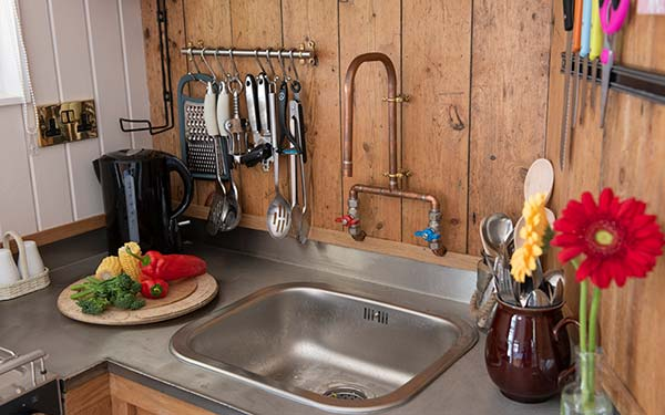 WOW Into The Woods Cabin kitchen